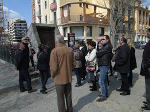 Davant del Refugi Antiaeri del Jardí de la Infància, a Girona (Foto: Mateu Butinyà).