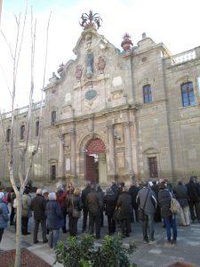 A l'entrada de la universitat de Cervera.